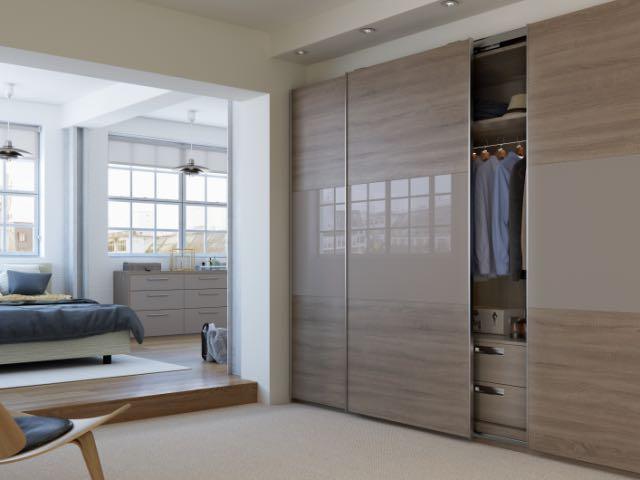 Sliding wardrobe in truffle oak