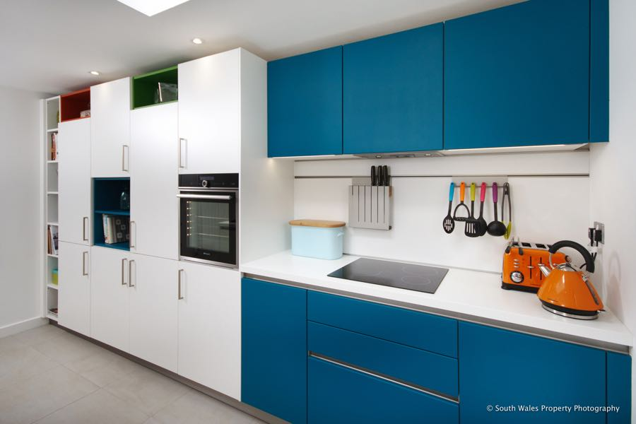 Schuller kitchen in white with Petrol Blue