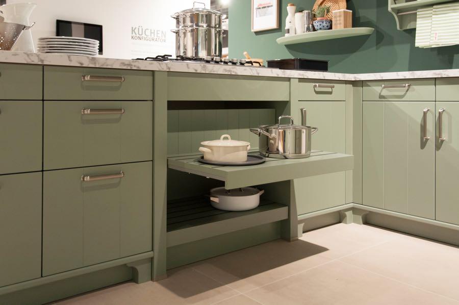 open pan drawers