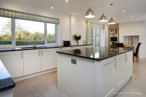 Central island with Silestone worktop