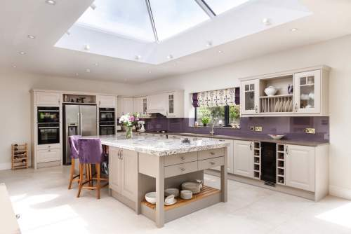 Light and spacious kitchen